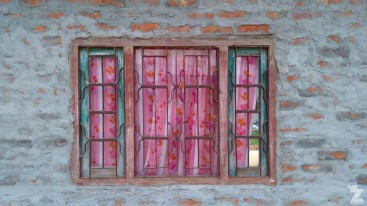 A characterful window at our first night's accommodation just outside the national park